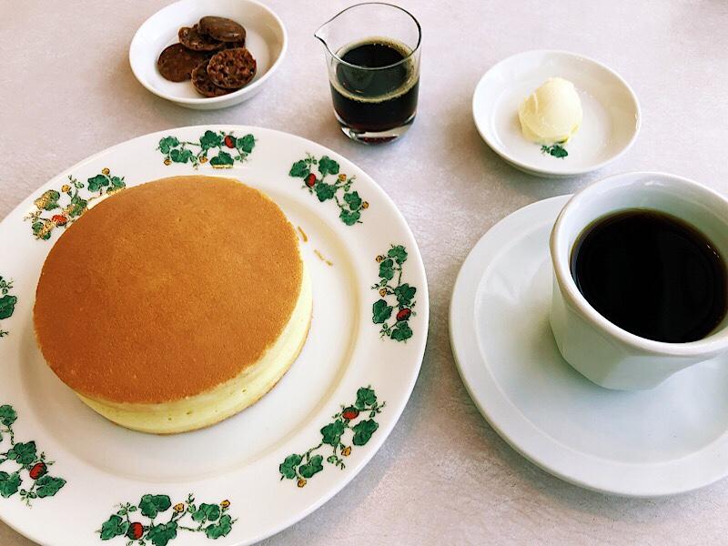 六花亭円山店喫茶室のホットケーキ